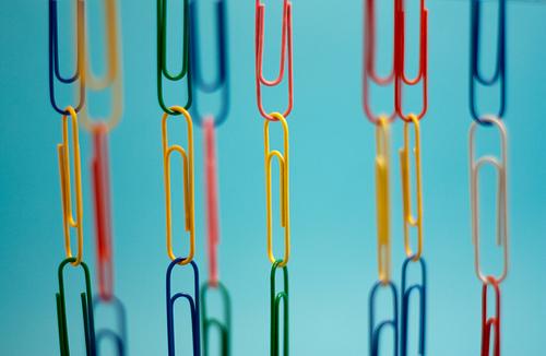 paper clip chain photo